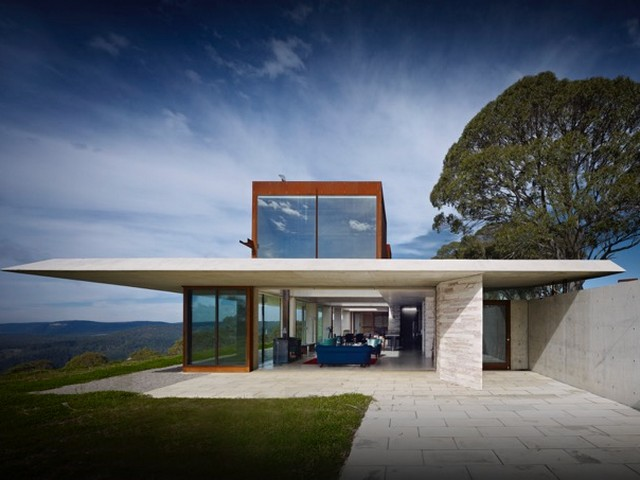 invisible house - blue mountains